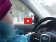 Video: Ruska škola! Otac tjerao 8-godišnju kćer da vozi Audi 100 km/h!