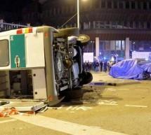 Novi BMW serije 7 (2016) udario u policijski kombi (FOTO)
