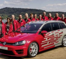 VW Golf R Variant Performance 35 sa 350 ks