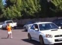 ODLIJEPILA NA SUBARU: Ova žena baš ne podnosi Imprezu WRX STI! (VIDEO)