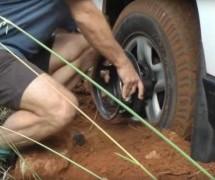 GENIJALNO! Kada vidite kako je ODGLAVIO auto, pitaćete se kako to vama nije palo na pamet!