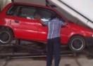 SJAJNO: Parking ispod svog stepeništa! (VIDEO)
