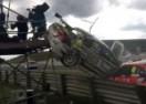Kamerman umalo nastradao na auto-trci (VIDEO)