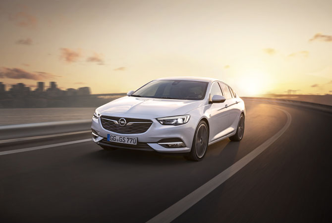 Opel Insignia Grand Sport (1)