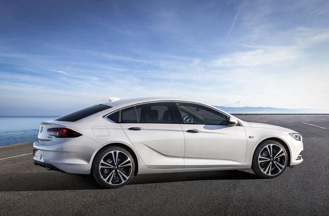 Opel Insignia Grand Sport (2)