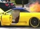 I TO SE DEŠAVA: Opljačkali ga dok mu je gorio Ferrari! (VIDEO)