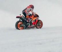 KAKAV PODUHVAT: Marc Marquez na Hondi RC213V po snijegu… uzbrdo! (VIDEO)