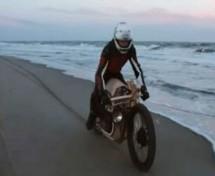 Ovaj motocikl je od drveta i kreće se na gorivo napravljeno od algi (VIDEO)