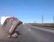 PA GDJE GLEDAŠ? Ovo su NAJGORE saobraćajne nesreće u prethodnih mjesec dana, bićete ŠOKIRANI (VIDEO)