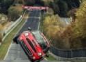 Kakav majstor: Kinez u Mini Cooperu prešao Nordschleife na dva točka (VIDEO)