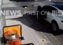 KAD ELEKTRONIKA POBRLJAVI: Kamion otkinuo vrata na Tesla Model X nakon automatskog otvaranja! (VIDEO)