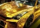 Pazite oči! Zlatni Nissan GT-R ukrao pažnju na sajmu u Dubaiju (VIDEO)