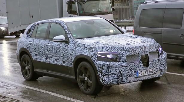 ELEKTRIČNA BUDUĆNOST: Mercedes-Benz EQ C 'uhvaćen' tokom testiranja!