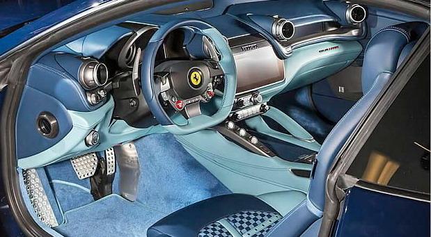 Ferrari GTC4 Azzurra (4)