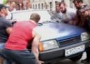 Ajde njima reci neću: Osmorica grmalja izašli na ulice porazgovarati s drskim vozačima (VIDEO)