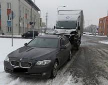 Češka policija zaustavila je BMW sa više nego čudnom prikolicom – šokiraćete se kada vidite šta je vukao (FOTO)