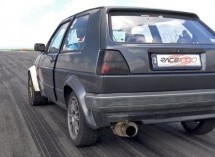 Pogledajte kako juri Volkswagen Golf II sa 750 KS (VIDEO)