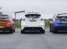 Ford Focus RS, Honda Civic Type R i BMW M140i na mokroj stazi (VIDEO)