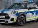 Izgleda kul, a uz to je brz: Policijski MINI sa 230 ks