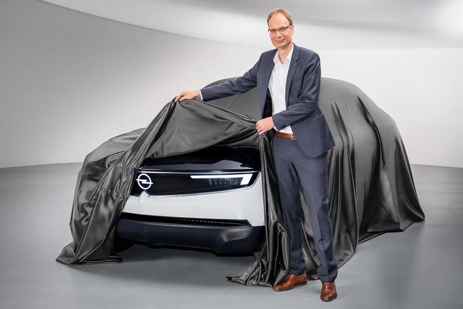 Michael-Lohscheller-Opel-GT-Experimental-503970