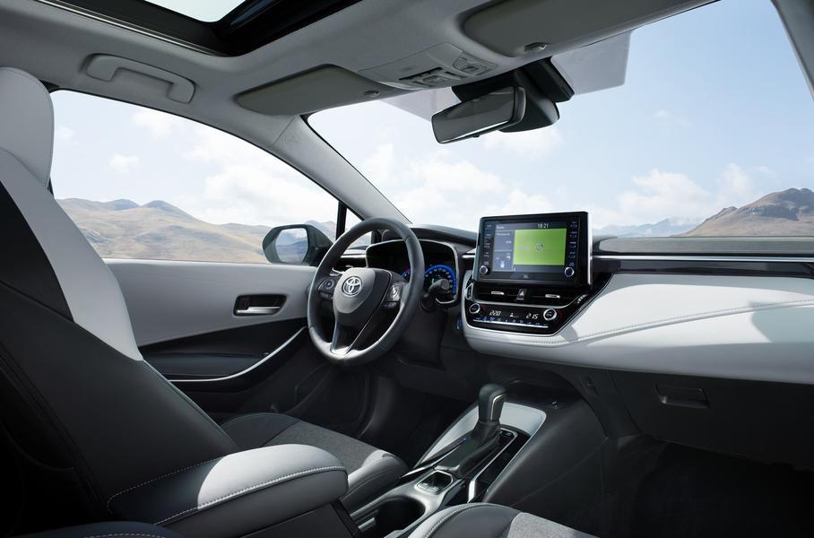 2019-Toyota-Corolla-Touring (3)