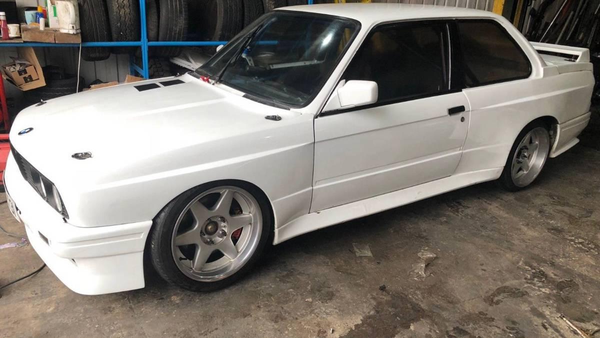 BMW M3 E30 (1)