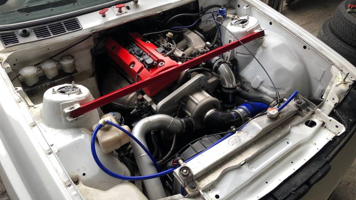 BMW M3 E30 (4)