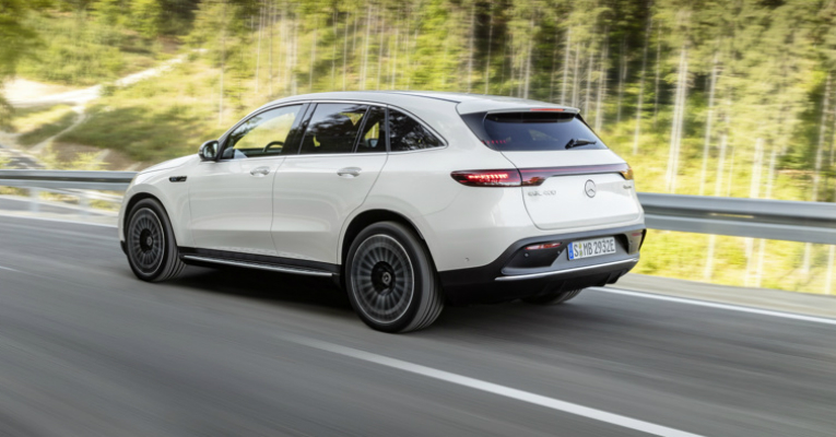 Mercedes-eq (3)