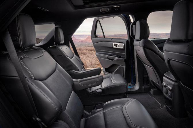 2019-Ford-Explorer-08