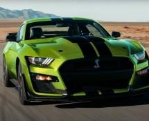 Fordov specijalni Shelby GT500 'Grabber Lime' s 900 driftajućih konja (VIDEO)